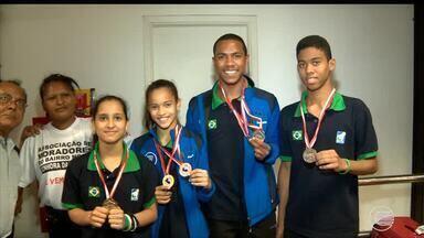 Piauienses retornam com muitas medalhas do pan-americano de badminton - Piauienses retornam com muitas medalhas do pan-americano de badminton