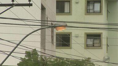 Moradores de Itirapina são os que mais sofrem com falta de energia - Moradores reclamam da demora para restabelecer o serviço.