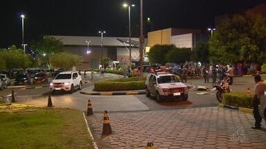 Homem é morto a tiros em estacionamento de shopping, no AM - Crime ocorreu por volta das 19h desta quarta-feira (27).