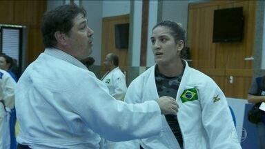 Equipe do judô brasileiro se concentra e busca o equilíbrio para conquistar medalhas na Olimpíada - Isolada em Mangaratiba, delegação brasileira de judô faz preparação em meio a visual tranquilo e ambiente calmo