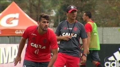 Donati e Leandro Damião estão selecionados para o jogo do Flamengo contra o Coritiba - Diego se prepara para estrear ainda no 1º turno do Brasileirão