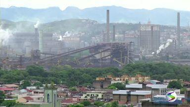 Depósitos de resíduos químicos são encontrados no solo em Volta Redonda, RJ - No bairro Volta Grande 4; amostras são pra um novo estudo da Fiocruz sobre os impactos da contaminação do solo com lixo tóxico na saúde dos moradores.