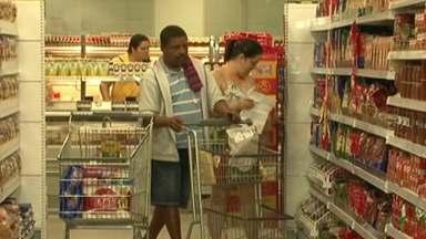 Cachoeiro de Itapemirim, ES, tem fiscalização para recolher extratos de tomate - Tem fiscalização nos supermercados pra evitar a venda dos lotes de quatro marcas de molho de tomate.
