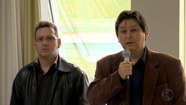 PTB e PP vão apoiar candidato do PMDB à Prefeitura de Juiz de Fora - Decisão foi tomada em convenção neste sábado em hotel no Centro. Partidos formarão coligação com 29 candidatos ao Legislativo.