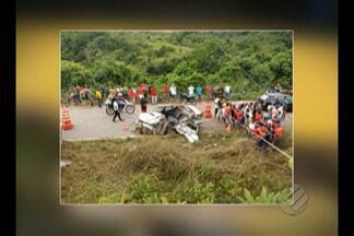 Acidente na PA-140 deixa três mortos e uma pessoa gravemente ferida, no nordeste do PA - Carro que seguia no sentido Tomé-Açú colidiu frontalmente com um micro-ônibus.