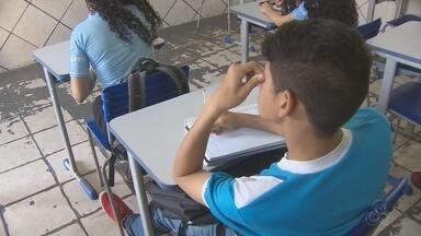 Mais de 130 mil alunos da rede estadual do AP voltaram a estudar nesta segunda-feira (1º) - Mais de 130 mil alunos da rede estadual de ensino voltaram a estudar nesta segunda-feira (1º). Em cerca de 40 escolas, as aulas só reiniciam na próxima semana.