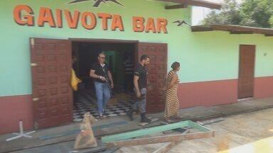 Mulher foi presa em Oiapoque, no Amapá, suspeita de forçar uma adolescente a se prostituir - Uma mulher foi presa em Oiapoque acusada de forçar uma adolescente a se prostituir. A menor foi encontrada trancada num quarto de uma casa.