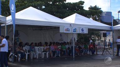 Crise econômica causa redução na média salarial dos baianos - Por causa da recessão, mais de 450 mil pessoas já foram demitidas na Bahia.
