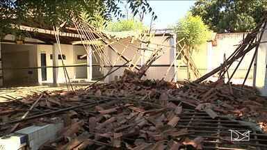 Desabamento do teto de uma escola deixa dois alunos feridos em Timon - As causas do desabamento ainda estão sendo investigadas.