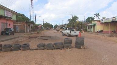 Em Santana, no AP, moradores reclamam dos transtornos causados por um obra não concluída - Em Santana, a paciência dos moradores de uma rua está no limite, e a causa é uma obra de asfaltamento que simplesmente parou.