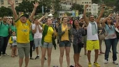Torcedores acompanham o ouro de Rafaela no Boulevard Olímpico - Novo point do Rio atrai uma multidão com diversão e graça. Área do porto que estava abandonada foi recuperada para a Olimpíada.