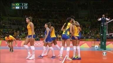 Melhores momentos: Brasil 3 x 0 Argentina pelo vôlei feminino - Seleção fecha o jogo com parciais de 25/16, 25/19 e 25/11.