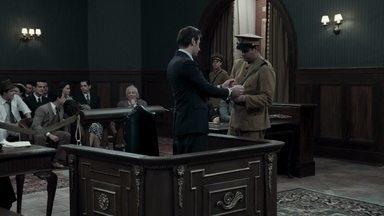 Abalado com o pedido de Cláudio, Araújo confessa golpe contra Anastácia - O advogado confirma que Anastácia não assinou os documentos de transferência de propriedade e confessa ter sido cúmplice de Sandra em todos os crimes. O juiz manda prender Araújo ainda no tribunal