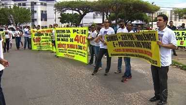 Caminhada pela Paz reúne diversas categorias em Aracaju - Caminhada pela Paz reúne diversas categorias em Aracaju.