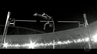 Clip mostra salto de Thiago Braz nos Jogos Olímpicos do Rio - Thiago Braz conquistou a medalha de ouro no salto com vara.