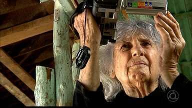Fotógrafa Maureen Bisilliat retorna à Paraíba para gravação de documentário - Maureen Bisilliat é fotógrafa e documentarista e esteve aqui há 50 anos.