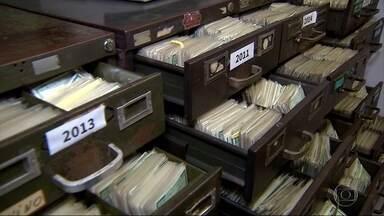 Quem perde ou tem documentos roubados deve adotar medidas para evitar problemas - Centenas de carteiras de identidade e de CPF são perdidas, roubadas ou furtadas todos os meses em Belo Horizonte.