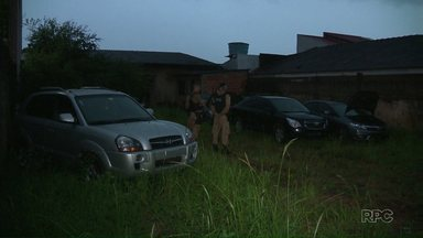 Carro roubado no Rio Grande do Sul é recuperado em Foz do Iguaçu - O veículo estava em um terreno no jardim Panorama.