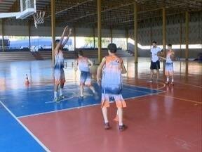 Time de basquete masculino de Presidente Prudente entra em quadra - Jogo contra o Clube Atlético Paulistano será neste sábado (20), em São Paulo (SP).