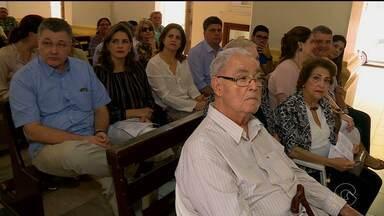 Foi celebrada em Petrolina uma missa em memória do ex-deputado Osvaldo Coelho. - Na próxima quarta-feira, o ex-parlamentar completaria 85 anos.