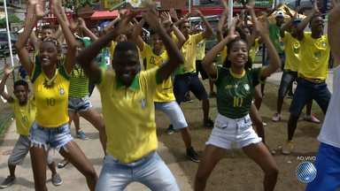 Grupos se reúnem na Boca do Rio para torcer pela seleção olímpica de futebol - Música e dança vão embalar a torcida pelo Brasil, que disputa a medalha de ouro no fim da tarde deste sábado (20).