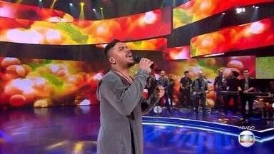 Sorriso Maroto canta 'Lua de Mel' - Confira!