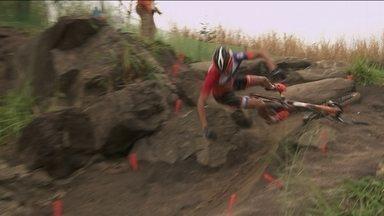 Rudi Van Houts, da Holanda, sofre queda no Mountain Bike na Olimpíada - Rudi Van Houts, da Holanda, sofre queda no Mountain Bike