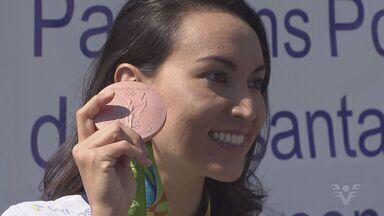Ana Marcela e Poliana Okimoto falam sobre a participação na Rio 2016 - Atletas da Unisanta disputaram a prova de Maratonas Aquáticas. Poliana ficou com o bronze e garantiu a primeira medalha olímpica para natação feminina do Brasil.