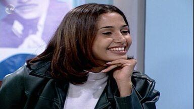 Camila Pitanga aprende a fazer o sorriso do Coringa