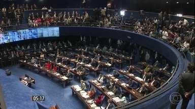 Balanço primário de votos da tribuna traz 17 contra o impeachment e 26 a favor - Lembrando que são necessários um mínimo de 54 votos para a condenação. Confira o discurso dos senadores.