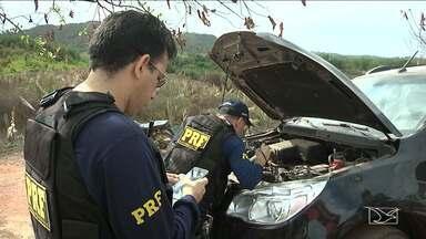 Operação da PRF apreendeu sete carros roubados em duas cidades do Maranhão - Uma operação da Polícia Rodoviária Federal (PRF) apreendeu sete carros roubados nas cidades de Paulo Ramos (MA) e Lago da Pedra (MA). Um dos carros estava em poder de um vereador que foi preso.