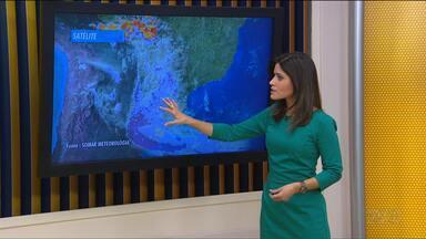 Tempo: Terça-feira (30) será chuvosa no Paraná - Área mais atingida será a faixa leste do estado.