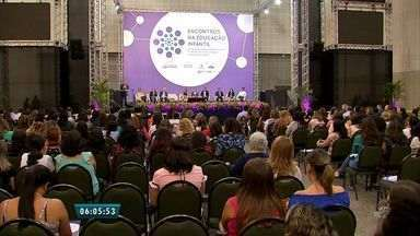Seminário realizado em Fortaleza discute modelo de educação infantil - Encontro reuniu representantes da Prefeitura, Ministério Público e do Instituto Myra Eliane.