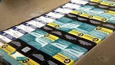 Dupla que vendia remédios tarja preta na internet é presa no ES - Operação aconteceu no Espírito Santo nesta segunda-feira (29).Mais de 27 mil comprimidos foram apreendidos pelos policiais.