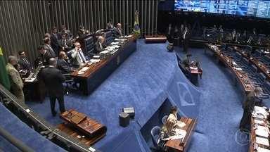 Julgamento do impeachment de Dilma entra na reta final no Senado - O processo já dura nove meses. Foram cinco dias de debates. E as articulações, mais uma vez, entraram pela noite. Michel Temer já planeja fazer uma reunião ministerial após a votação.