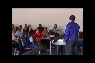 Mesários voluntários recebem treinamentos em Uberaba - Mais de 1.300 pessoas passarão pelo treinamento das Eleições 2016. Aprendizado segue até o dia 16 de setembro.