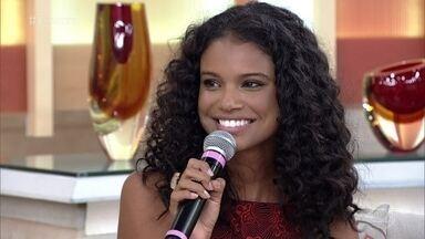 Aline Dias comenta sucesso como primeira protagonista negra em 'Malhação' - Atriz diz que o papel de Joana não era específico para uma menina negra e acredita que os autores aproveitem o espaço para abordar o preconceito