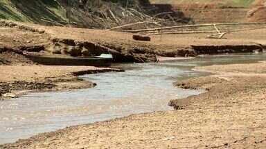 Seca pode deixar moradores da Grande Vitória sem água - Rio Santa Maria da Vitória, que abastece a região, está secando.Segundo Comitê, se não chover até outubro, vai faltar água.