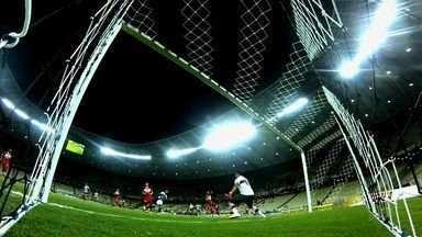 """Ceará joga fora """"gordura""""conquistada na Série B - Vovô está a apenas um ponto do primeiro time fora do G-4 da Segundona."""