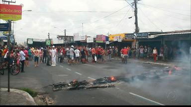 JPB2JP: Principal avenida de Mangabeira é interditada durante protesto - Contra a faixa exclusiva de ônibus.