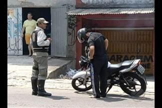 Polícias Civil e Militar realizaram operação de combate ao crime na capital - Barreiras de fiscalização foram montadas no bairro da Sacramenta.