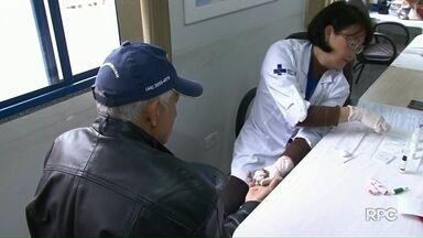 Agosto Azul termina com 5 mil homens atendidos em Umuarama - Durante a campanha, as 23 unidades de saúde do município tiveram atendimento voltado ao público masculino. Segundo a Secretaria de Saúde da cidade, muitos homens fizeram o exame do PSA, que pode diagnosticar o câncer de próstata.
