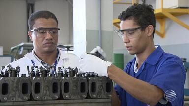 Jovens investem no ensino técnico para driblar os efeitos da crise econômica - Mais de 485 mil pessoas estão desempregadas em Salvador e Região Metropolitana.
