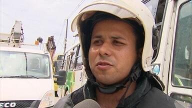 Incêndio deixa dois feridos em Águas Compridas - Fogo tomou residência no bairro localizado em Olinda
