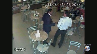 PF e MP gravam encontro e conversas entre Walter Gomes e Marcelo Plastino em Ribeirão - Para a Polícia Federal, o vereador Walter Gomes teria recebido propina durante o encontro dos dois no dia 11 de agosto.