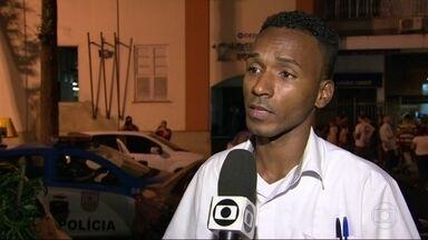 Novo caso de injúria racial no Rio vai parar na delegacia - O gerente de uma lanchonete em Copacabana contou que foi vítima de uma cliente.