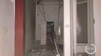 Criminosos explodem caixa eletrônico em Arapeí - Explosão aconteceu na madrugada desta segunda.