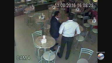 Vídeo: vereador Walter Gomes teria recebido propina de empresário, diz MP - Segundo investigação, Marcelo Plastino teria repassado dinheiro ao presidente da Câmara, citado na negociação de cargos públicos.