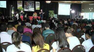 Mais de 2 mil estudantes participam de revisão geral para o Enem em Teresina - Mais de 2 mil estudantes participam de revisão geral para o Enem em Teresina