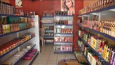 Vendas em comércio em Codó sofrem queda - As vendas no comércio em Codó pioram a cada dia e uma das consequências é a redução do quadro de funcionários das lojas.